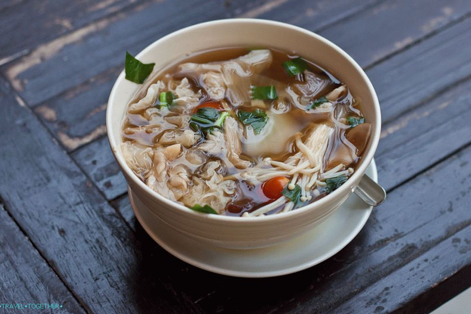 Tom Yam with mushrooms - 80 baht