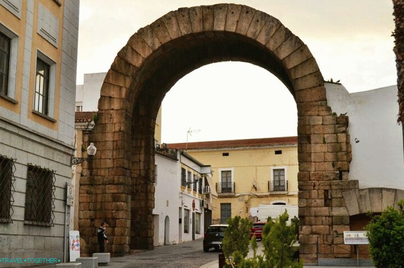 Arch of Traian