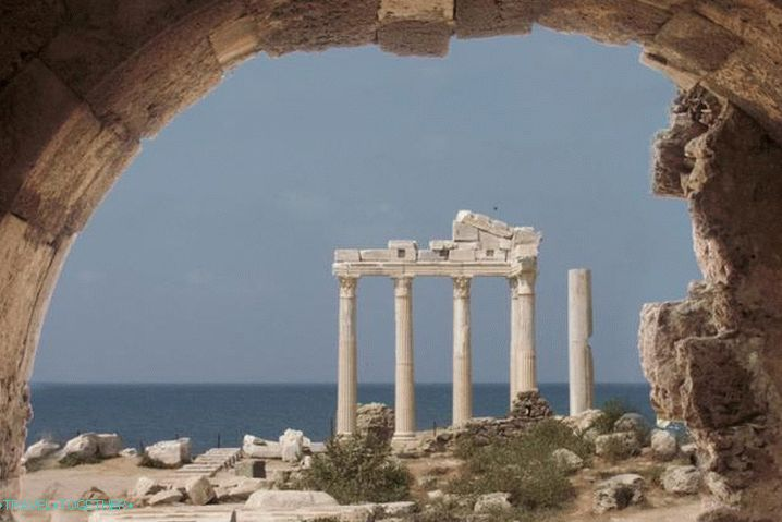 What to see on Side in October, the Temple of Artemis