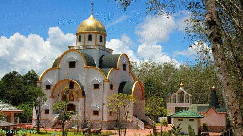 pravoslavnaya_cerkov_na_phukete_-_istoriya-_arhitektura-_kak_dobratsya_vt